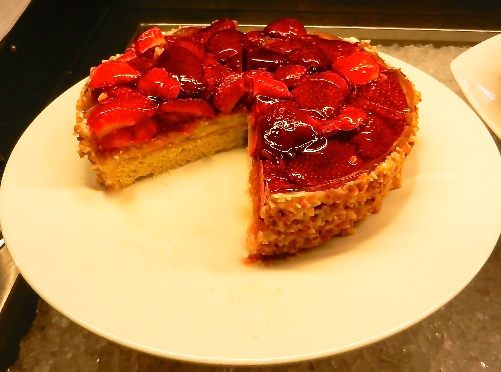 Low Fat High Fibre Cake Recipes: Strawberry Recipes: Mouth-watering Recipes For Desserts