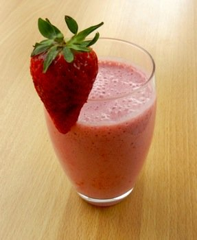 Strawberry smoothies. Very easy recipe.